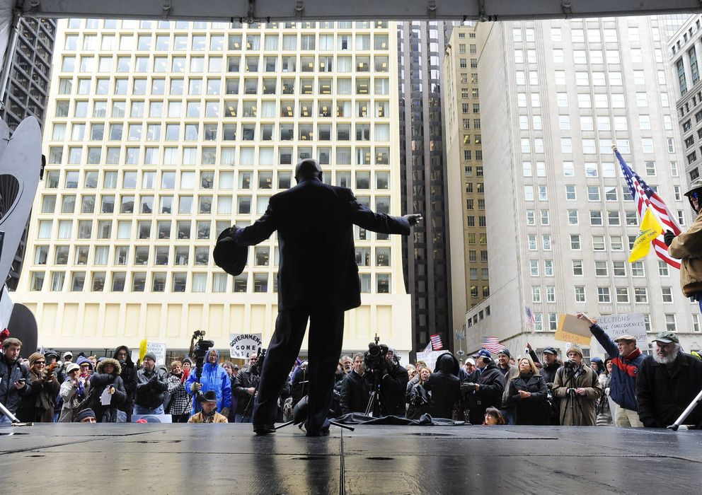"""Foto: Mitin político del """"tea party"""" de chicago contra el gobierno federal y altos impuestos"""