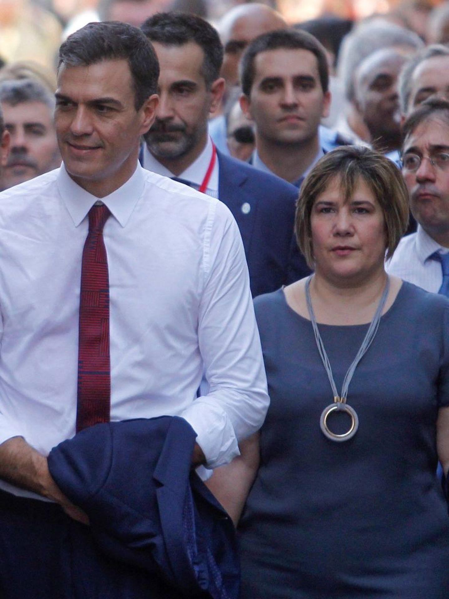 Pedro Sánchez, junto a Lis Cuesta durante su visita a Cuba en noviembre de 2018. (EFE)