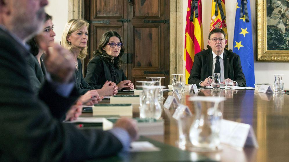 Foto: El president de la Generalitat, Ximo Puig, preside el pleno extraordinario del Consell. (EFE)
