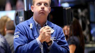 Por qué la inversión de la curva suele anticipar recesión