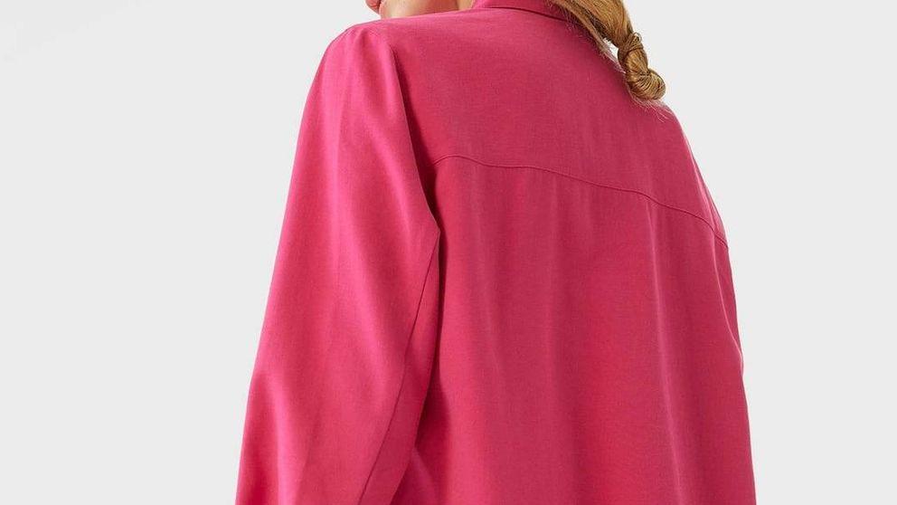 Estas camisas de Stradivarius serán la clave de tus looks por sus preciosos colores