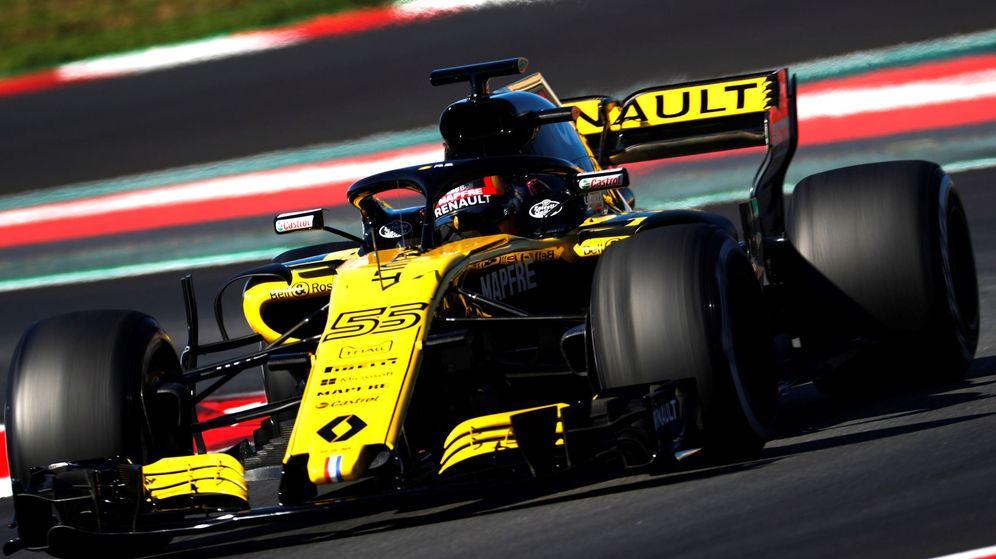 Foto: Carlos Sainz, al volante del Renault en el Circuit de Catalunya. (EFE)