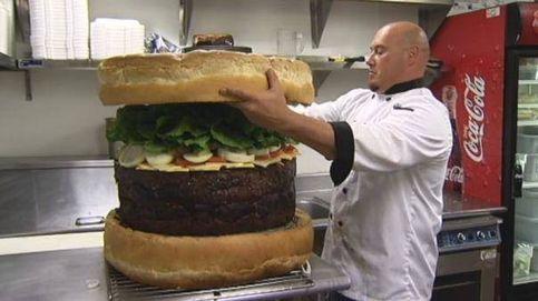 Así era la hamburguesa más grande del mundo... hasta 2012: 74 kilos y 399 dólares