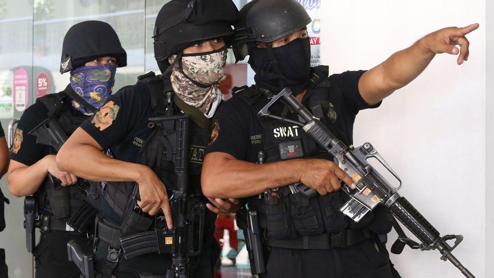 Un hombre se atrinchera en un centro comercial con 30 rehenes en Filipinas