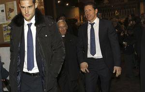 La familia atlética al completo despide a Luis Aragonés en su funeral