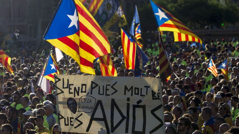 Foto: Vista de la plaza de Cataluña de Barcelona durante la manifestación convocada por la ANC con motivo de la Diada. (EFE)