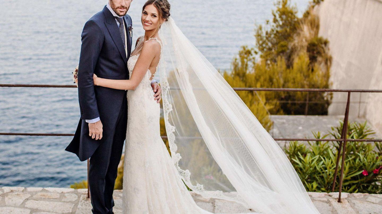 Helen Lindes y el baloncestista Rudy Fernández el día de su boda. (EFE)