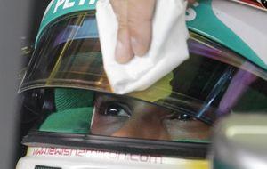 Cuidado con Rosberg... Hamilton vigila su cartera en casa de Red Bull
