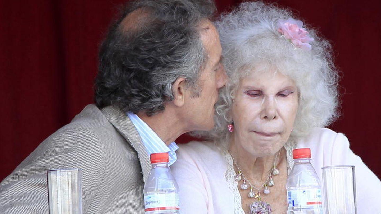 Alfonso Díez y la duquesa de Alba (Gtres)
