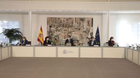 Iberdrola y Endesa meten en la agenda del Gobierno el golpe a Repsol, Cepsa y Naturgy