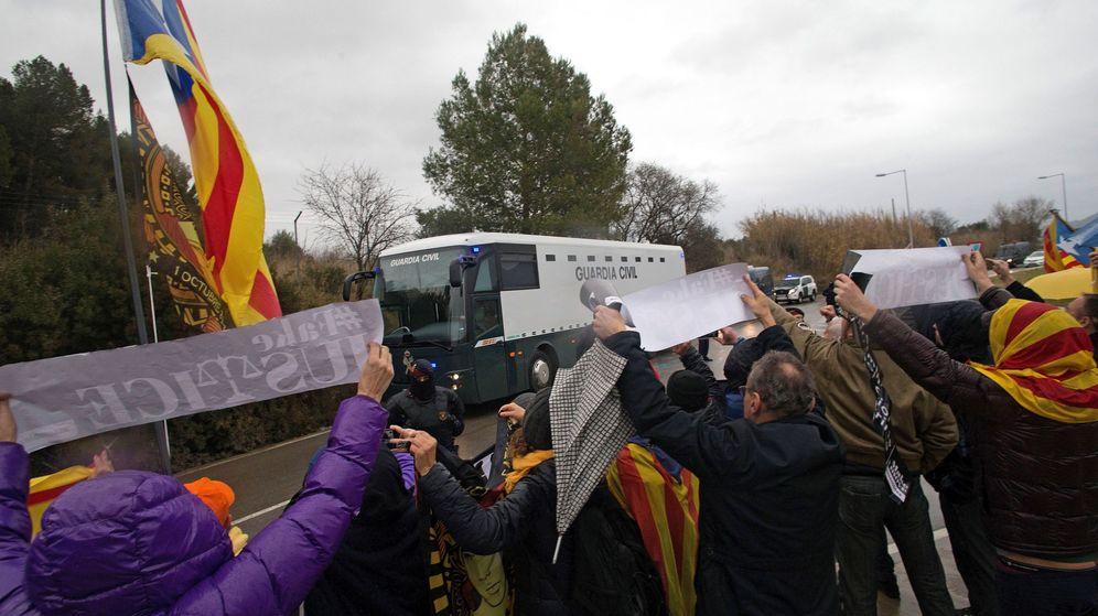 Foto: Los manifestantes que mostraron su apoyo a los presos el pasado 1 de febrero. (EFE)