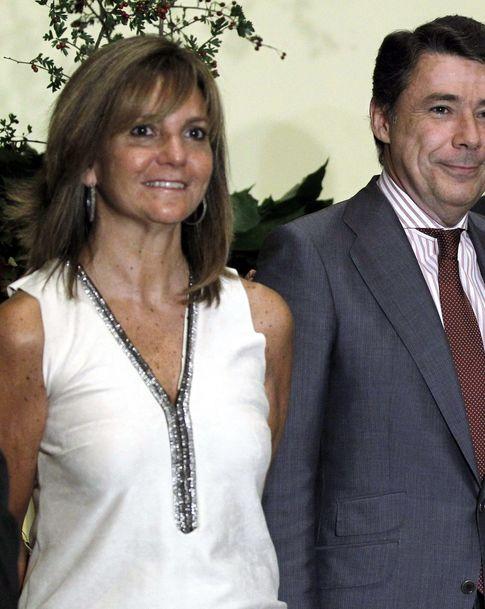 Ignacio González y su esposa. (EFE)
