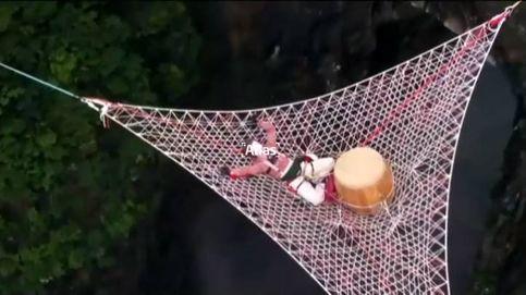 Concierto acrobático a 1.400 metros de altura en China