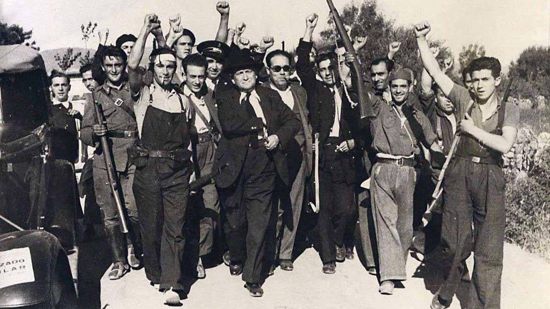 La resaca del 14 de abril de 1931: así se cargó el Lenin español la II República en el 34