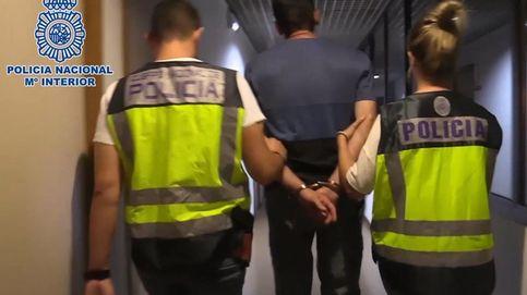 Momento de la detención del acusado de homicidio por la Policía Nacional. (Efe)