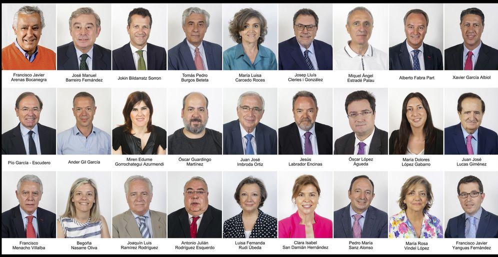 Foto: Los 27 senadores que van a formar parte de la 'comisión del 155'. (EFE)