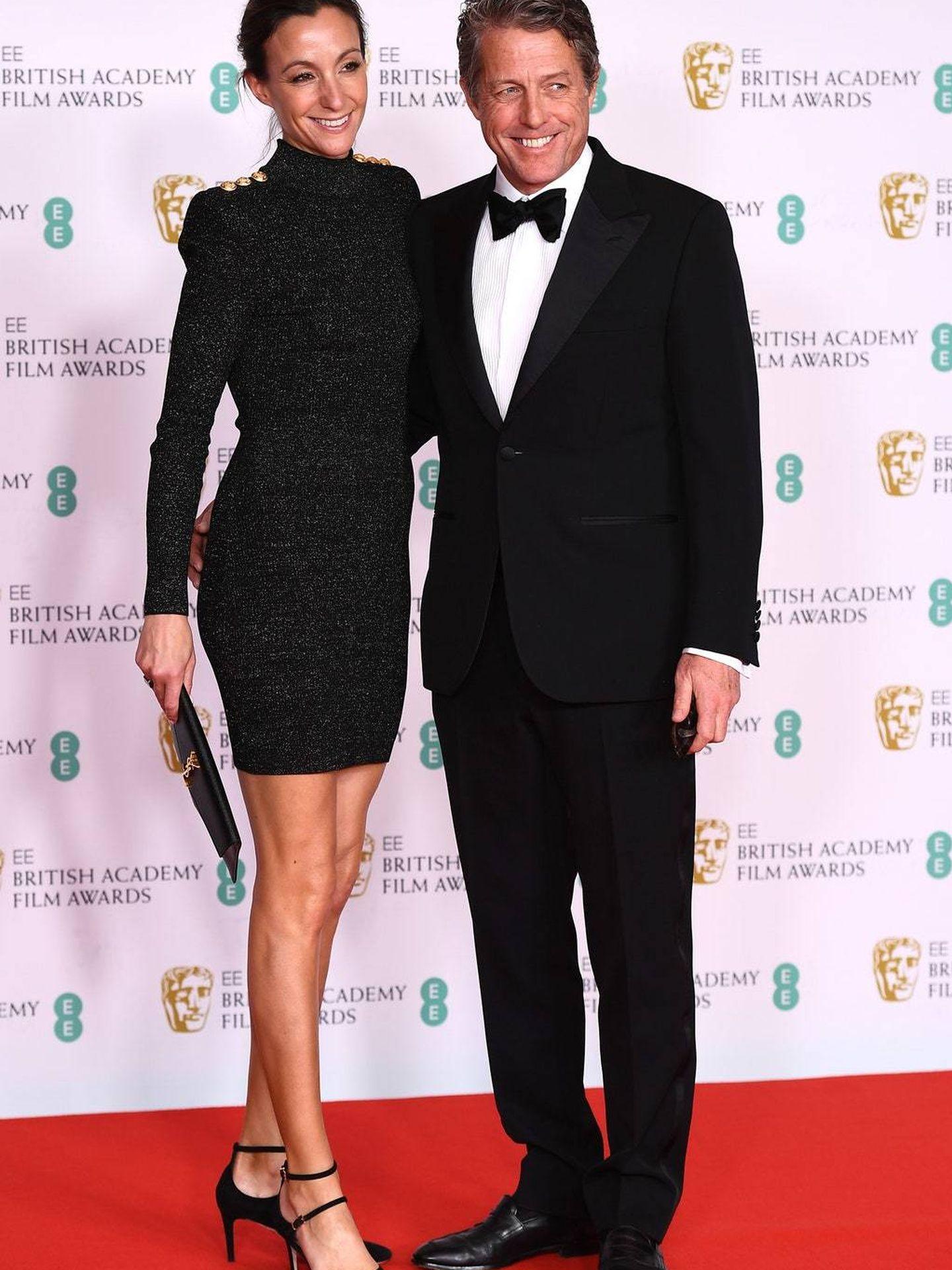 Hugh Grant y Anna Elisabet. (Getty)