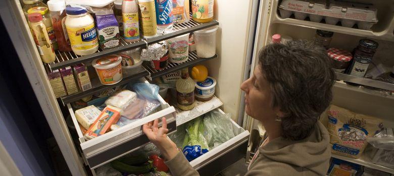 Foto: ¿Qué debemos meter antes en el refrigerador si queremos conservar la cadena del frío? (Corbis)