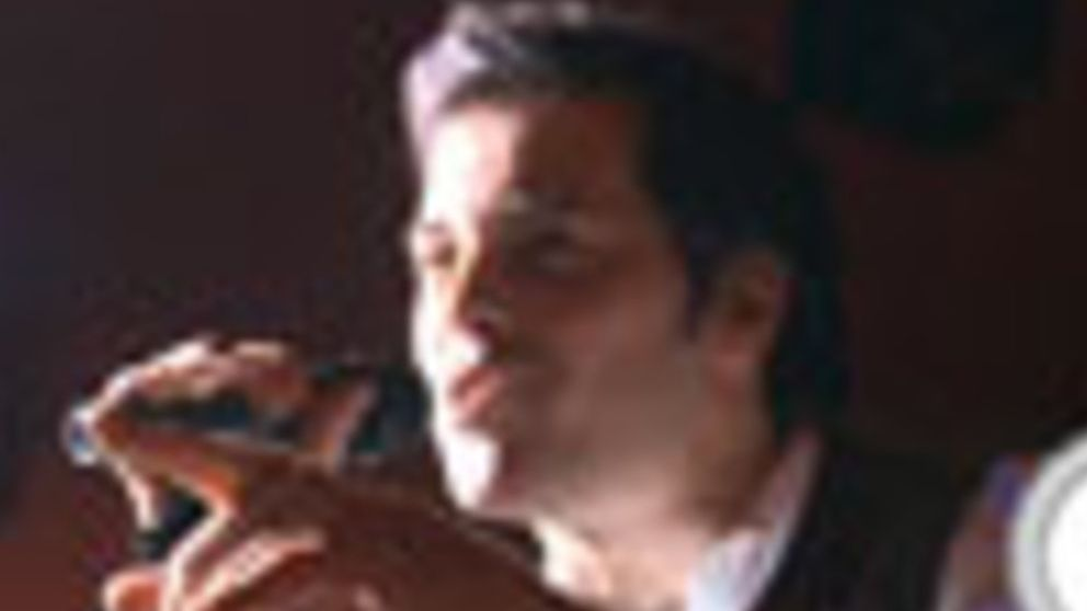 Juan Losada canta 'Gente'
