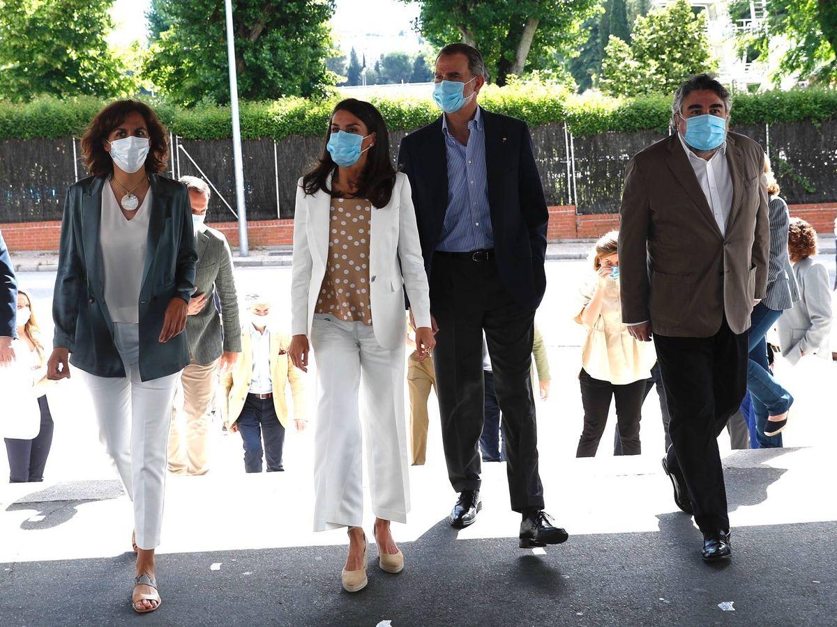 Foto: Los reyes Felipe y Letizia, este lunes en el Consejo Superior de Deportes. (Casa Real)