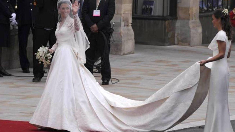 Kate Middleton, espectacular pero clásica en su boda. (EFE)