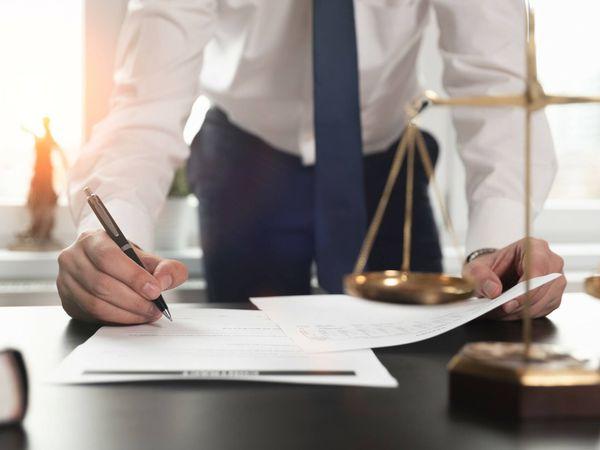El Supremo libra a dos abogados de indemnizar a un cliente con 7 millones de euros