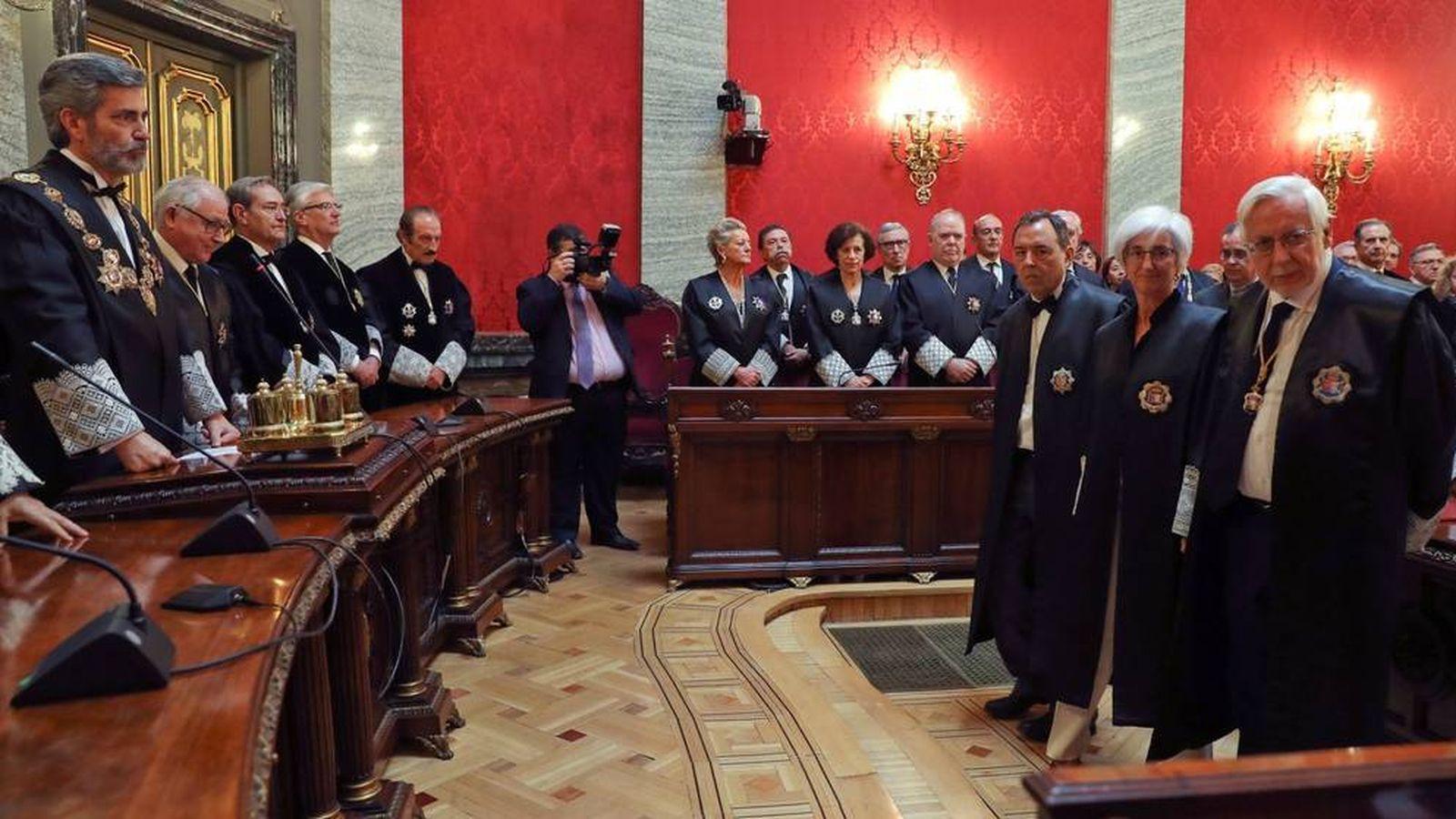 Foto: El actual CGPJ y su presidente, Carlos Lesmes. (EFE)