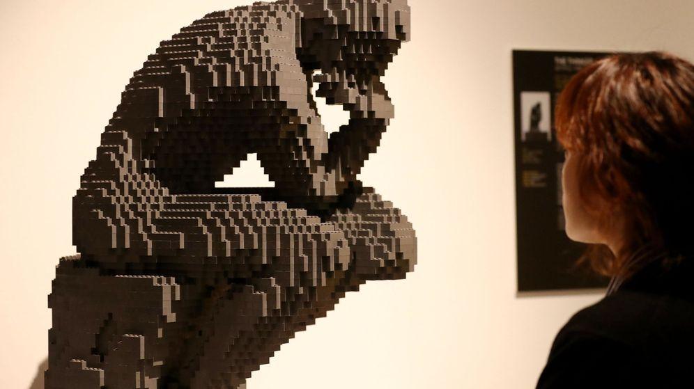 Foto: Una réplica del Pensador de Rodin hecha con LEGO (EFE)
