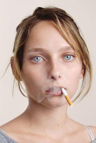 Foto: Los fumadores pasivos tienen mayor riesgo de padecer laringitis ambiental
