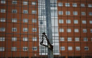La venta de casas sufre una recaída y vuelven las caídas de dos dígitos