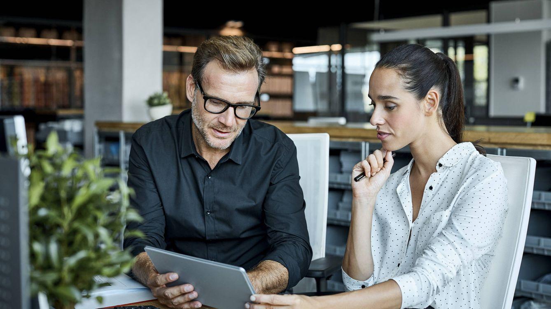 Cómo optar a un empleo para el que estás sobrecualificado: los consejos de una experta