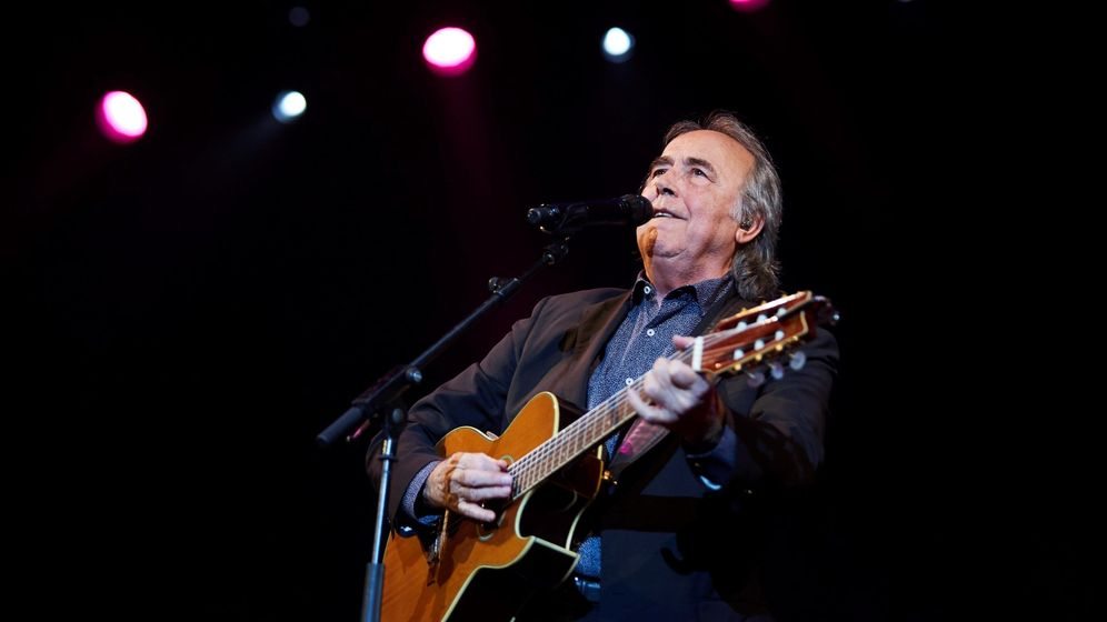 Foto: Joan Manuel Serrat en un concierto este diciembre en Barcelona. (EFE)