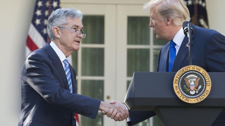 Foto: El presidente de la Fed, Jerome Powell, junto al presidente de EEUU, Donald Trump. (EFE)