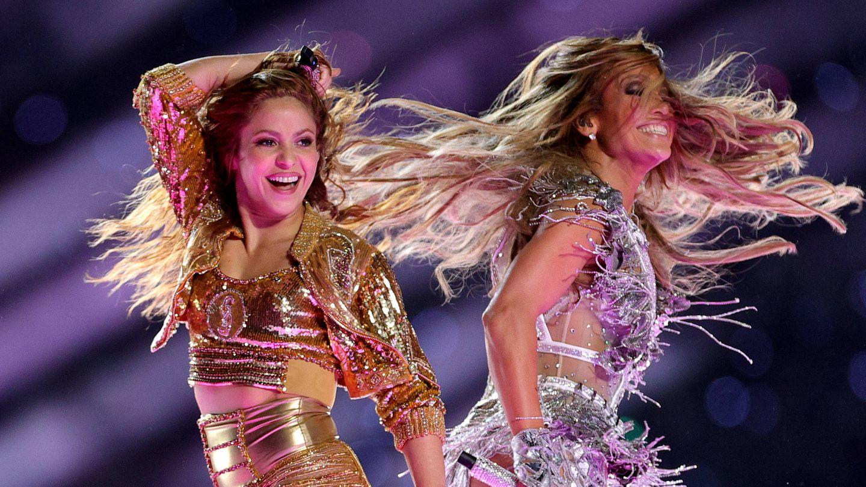 Shakira y Jennifer Lopez, en la Superbowl de 2020. (Getty)
