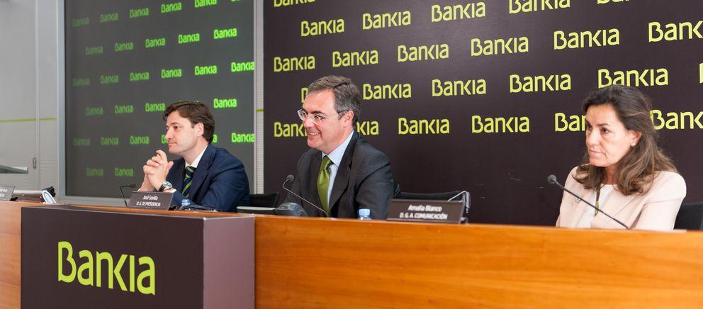 En el centro, el director general de presidencia de Bankia, José Sevilla. (Bankia)
