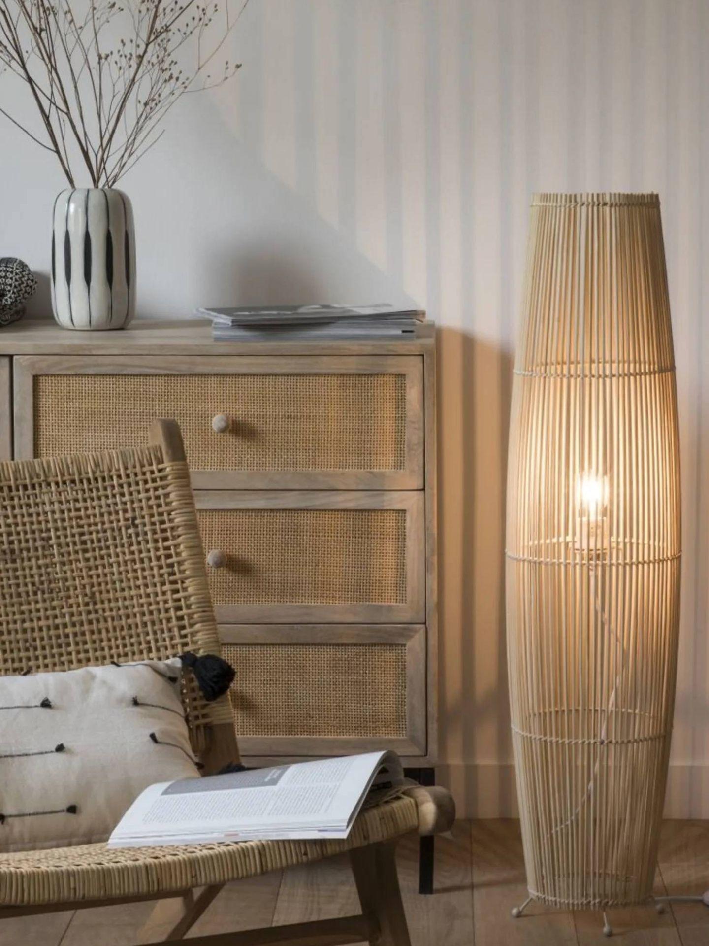 Ilumina tu estancia con estas lámparas de pie de Maisons du Monde. (Cortesía)