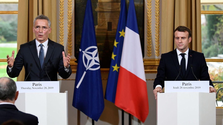 Macron junto al secretario general de la OTAN. (Reuters)