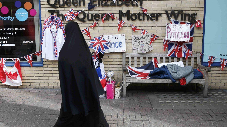 Una mujer con un niqab. en Londres. (EFE)