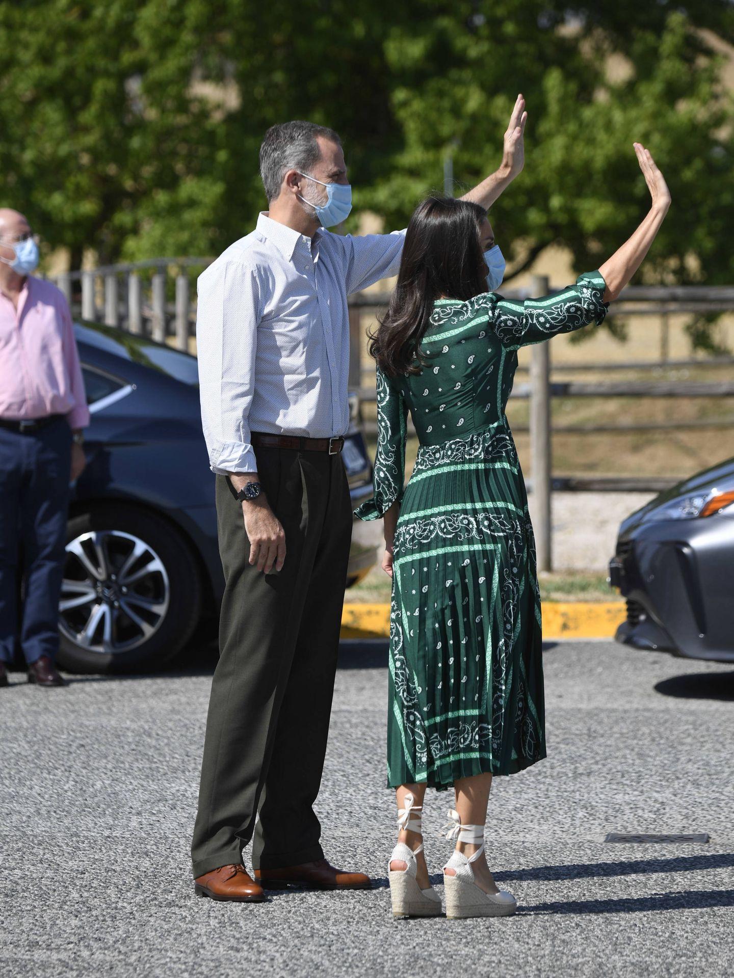 Los Reyes, saludando al público a su llegada. (Limited Pictures)