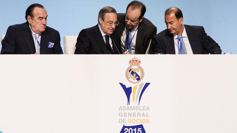 Florentino Pérez, durante la Asamblea General de Socios del Real Madrid de 2015. (EFE)