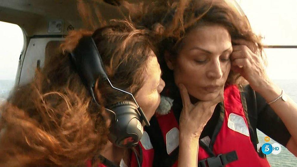 Foto: El complicado salto de Encarna en 'Supervivientes'. (Telecinco)