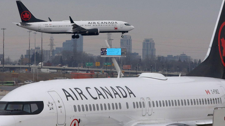 Un Boeing 737 MAX 8 de Air Canada se aproxima al aeropuerto internacional Pearson de Toronto. (Reuters)