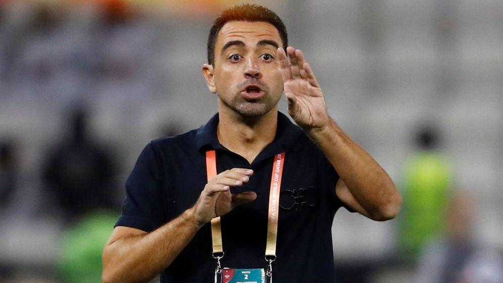 Foto: Xavi dando instrucciones a su Al Sadd en este Mundialito. (Reuters)