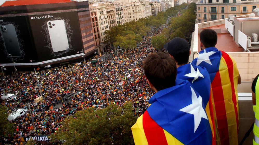 Foto: Manifestación en Barcelona en protesta por la sentencia del 'procés'. (EFE)