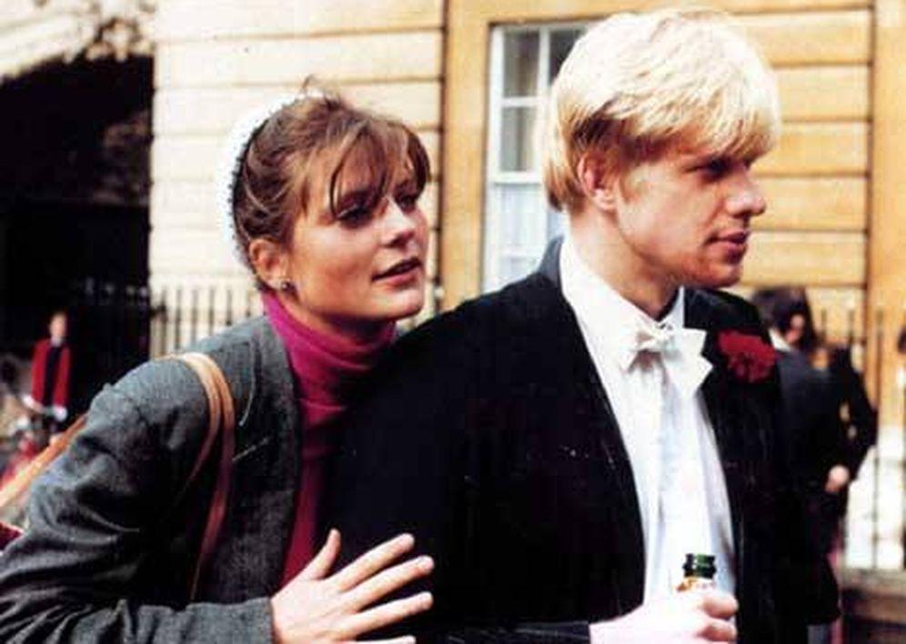 Foto: Allegra Mostyn-Owen, primera pareja de Boris Johnson, en Oxford en 1987