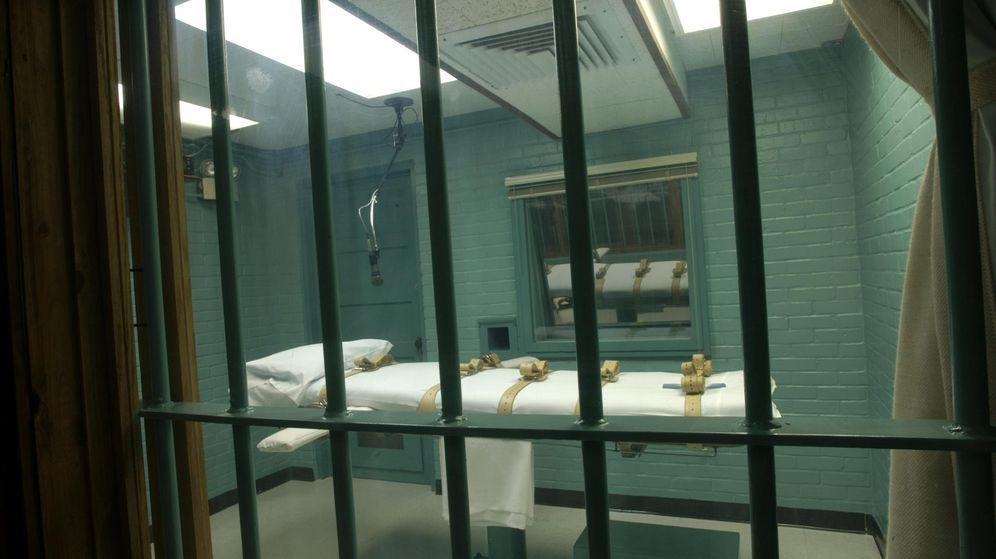 Foto: Una imagen sin fechar cedida por el Departamento de Justicia de Texas muestra la cámara de la muerte con la camilla donde se aplica la inyección letal al condenado a muerte. (EFE)