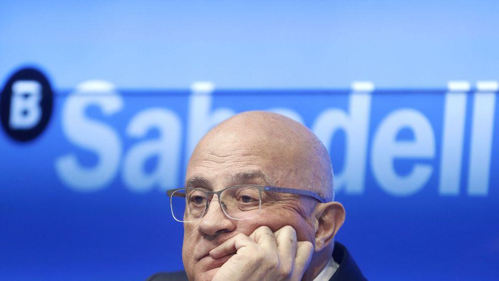 Sabadell vuelve a ser el banco más pequeño del Ibex... para un baile de fusiones