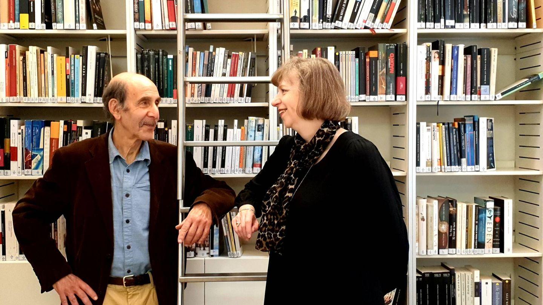 Los autores Helen Crisp y Jules Stewart, en el Instituto Cervantes de Londres.