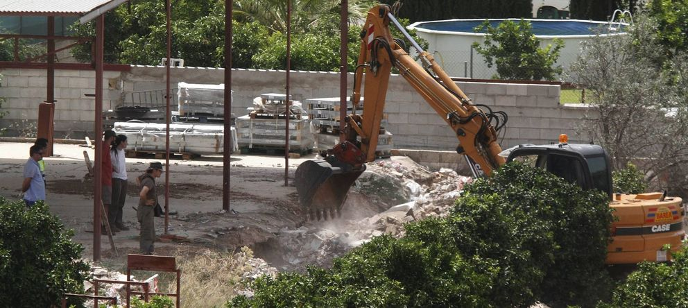 Foto: Fotografía de archivo de máquinas excavadoras en la finca de Las Quemadillas. (EFE)