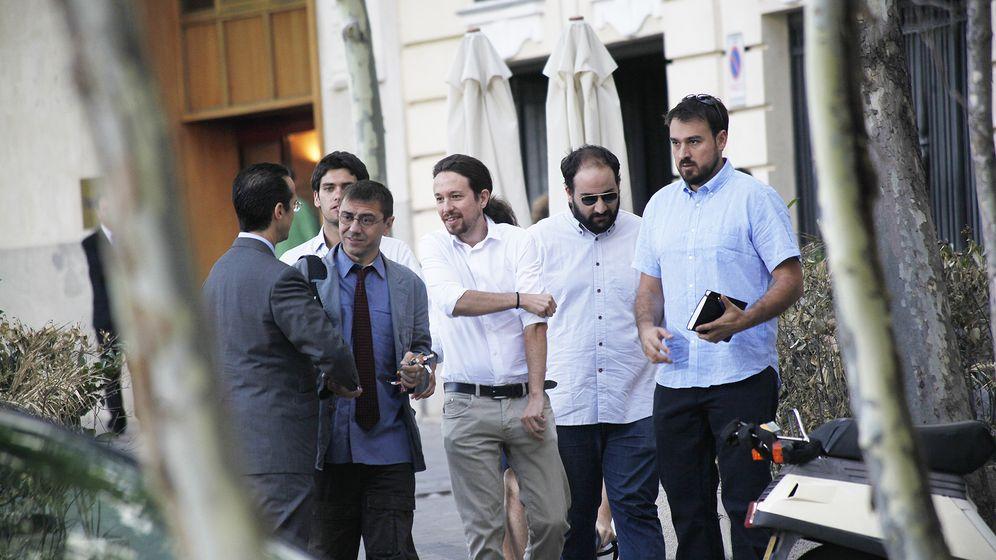 Foto: Pablo iglesias, juan carlos monedero y el resto de su equipo de 'podemos' (e.v.)